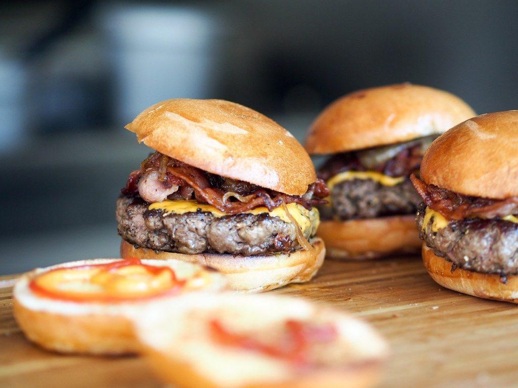 burgers, fast food, hamburgers-731298.jpg